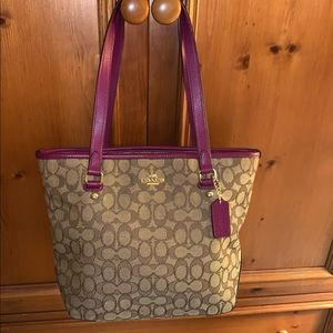 Coach purse gently used!